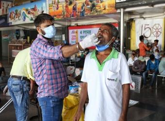 India sees dip in Covid infections, logs 30,549 new cases