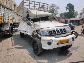 Mini truck hits pickup van in Angul, driver critical