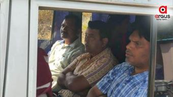 Odisha: Muribahal Tehsil office clerk caught red-handed while taking bribe
