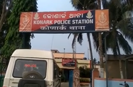 Youth found hanging from tree along Konark marine drive, murder suspected