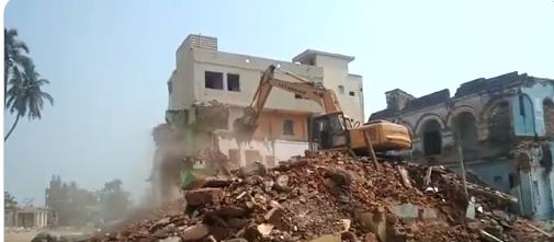 Eviction drive around Shreemandir resumes; Gopal Bhavan razed