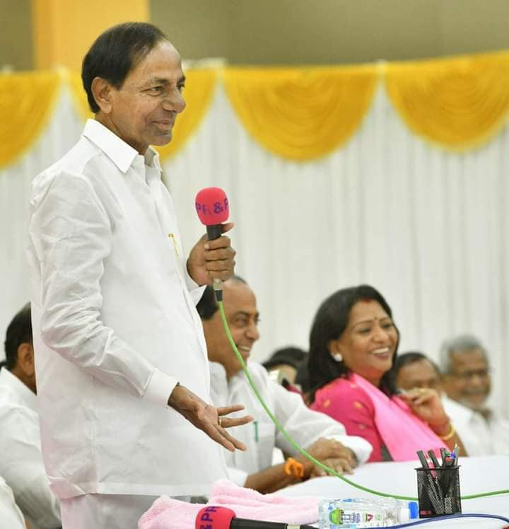 PM, CMs greet KCR on 67th birthday