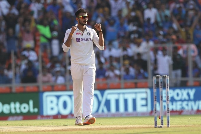 Indian spinners bag 8 wkts, England all out for 205