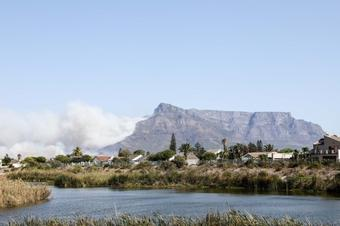 Fire erupts in S.Africa's iconic Table Mountain