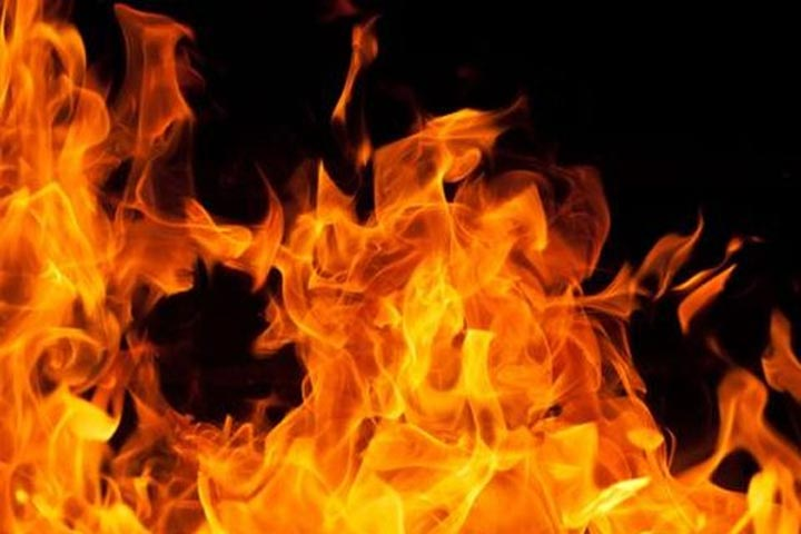22 houses gutted in Bhadrak as lighting strike triggers fire