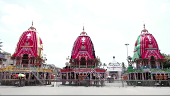 Puri: Raths to face  south today, Bahuda Yatra on Tuesday
