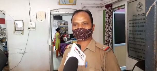 ASI stops seizing dowry items midway; villagers gherao PS