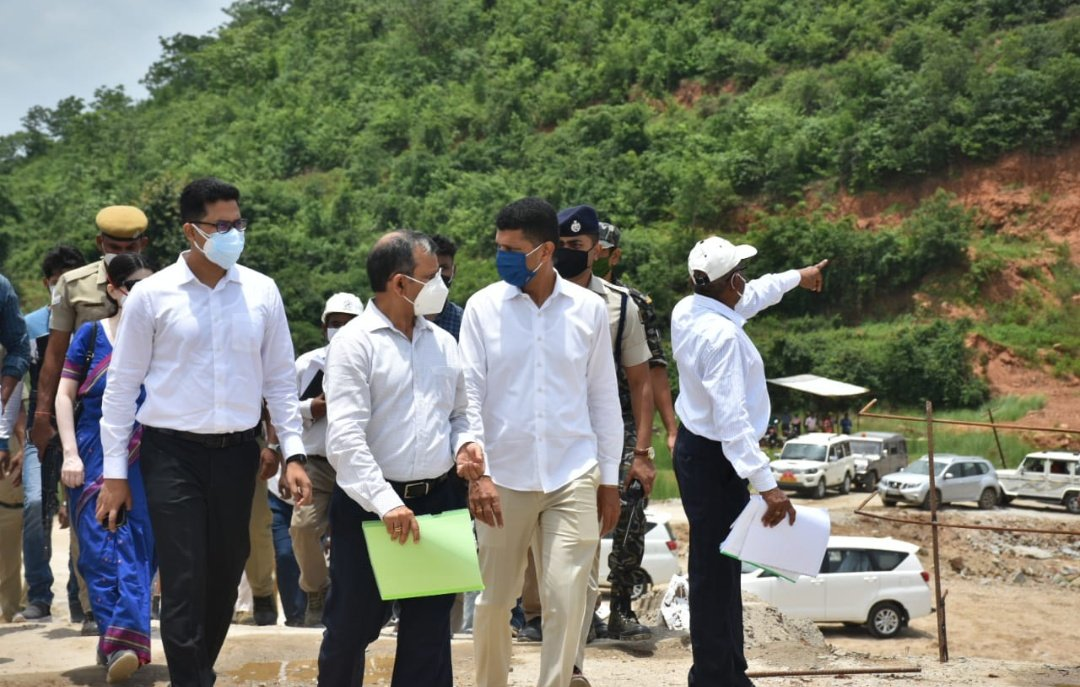 CS, 5T Secretary visit Bolangir, review projects