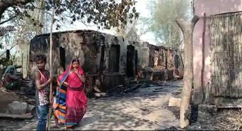 Fire engulfs 25 houses in Nayagarh; 4 men injured, 25 goats burnt alive