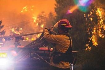 Largest wildfire in Oregon grows with only 7% containment