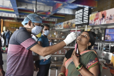 At 25,166, India sees major decline in daily Covid cases