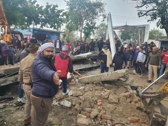 25 killed in cemetery tragedy in UP; civic officials, contractor booked