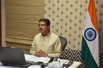 CM discusses mining issues with Union Ministers Pradhan, Jhoshi