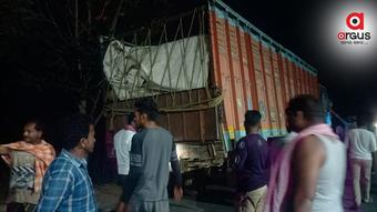 Man dies, another critical as bike rams into truck in Nabarangpur