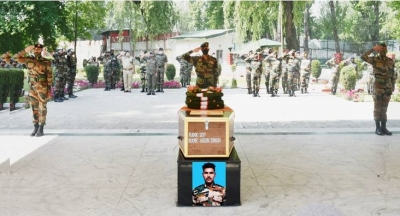 Army pays tributes to braveheart in Srinagar