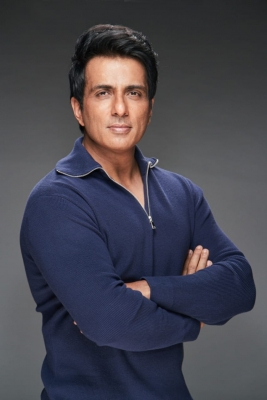 IT sniffs out financial irregularities of Rs 250-cr by Sonu Sood