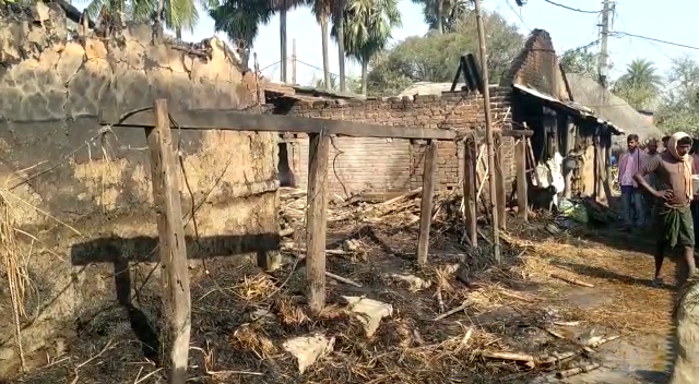 Fire engulfs 10 houses in Bhadrak village; properties worth lakhs destroyed