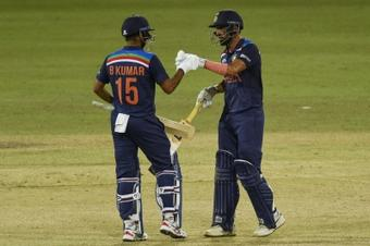 2nd ODI: Chahar's fighting 69 helps India win match, series