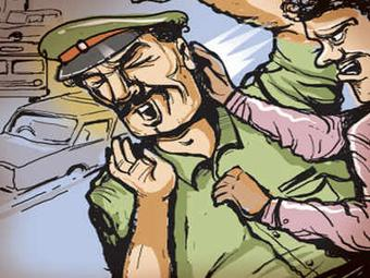 Villagers attack police team in Mayurbhanj, ASI critical