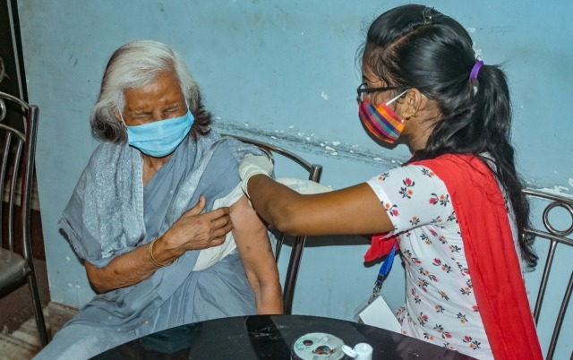 BMC organizes special vaccination camps at old-age homes in Bhubaneswar