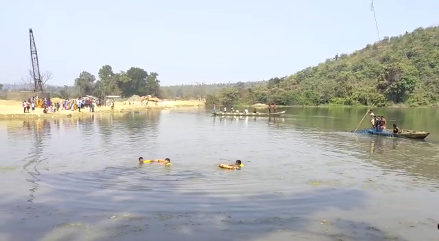 Villager falls from boat, goes missing in river in Angul