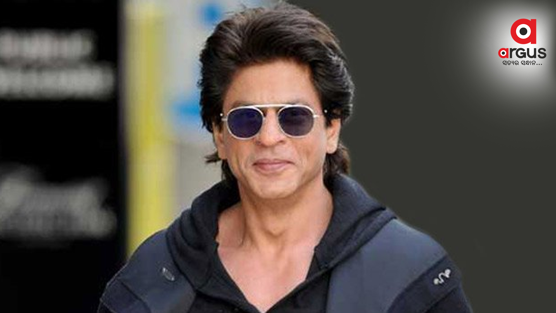 SRK's sarcastic reply to fan curious about his underwear colour