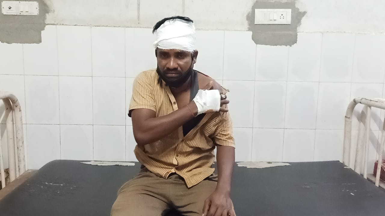 Goods truck driver beaten up, looted on Highway in Khurda