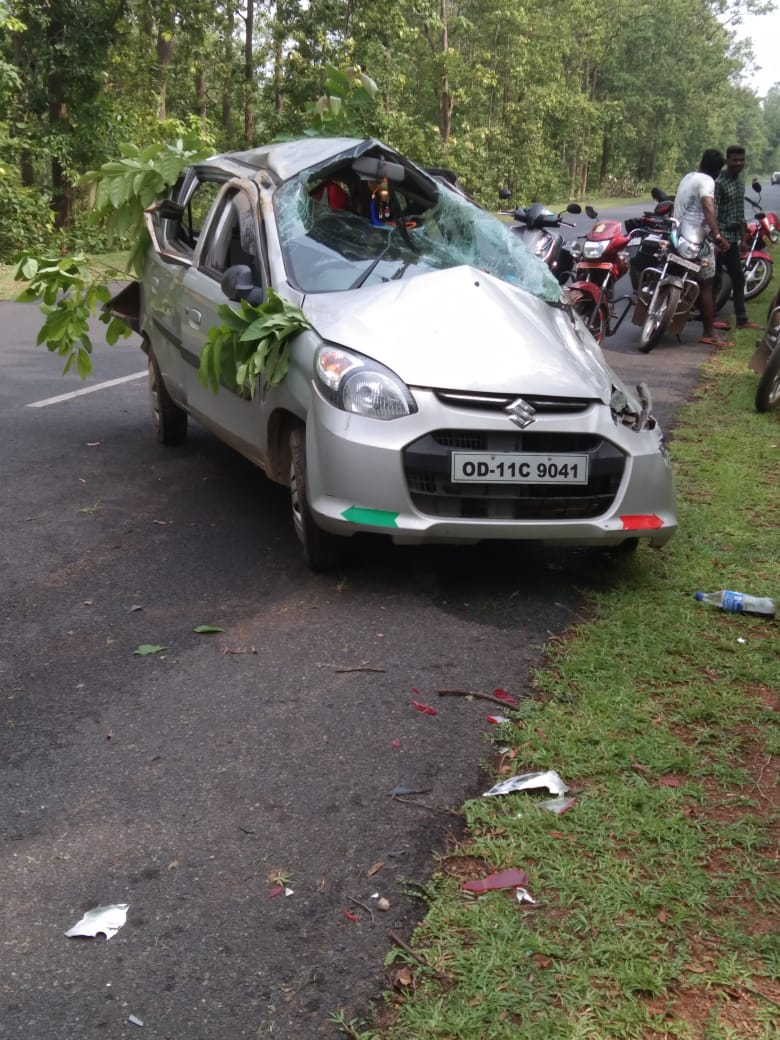 Car overturn leaves woman dead, two others critical in Mayurbhanj