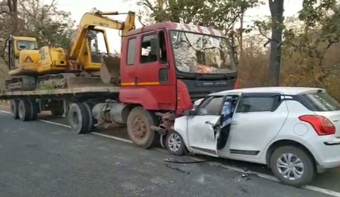One killed, 4 critical as car rams into stationary truck in Boudh