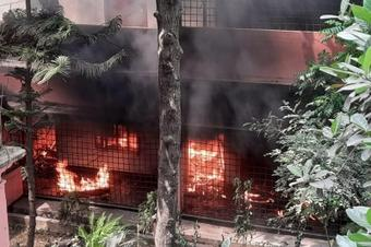 B'desh militants set fire to central library