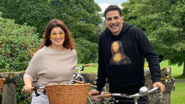 Akshay, Twinkle donate 100 oxygen concentrators