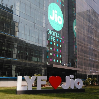 Jio comes up with special initiatives for JioPhone users amid pandemic
