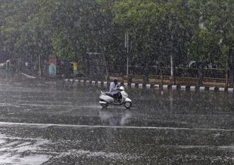 IMD issues red alert in coastal K'taka for next 2 days