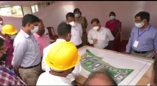 Chief Secy visits Kandhamal, reviews progress of medical college
