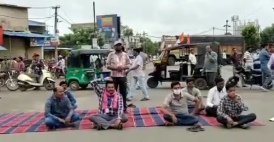 OMCS observes 12-hour bandh in Bargarh demanding 'covid warrior' status for drivers