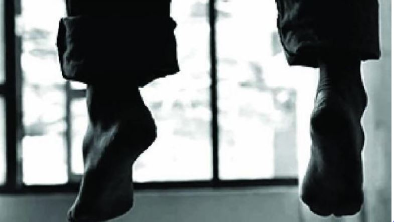 Lodge staff found hanging in bathroom in Nabarangpur, suicide suspected