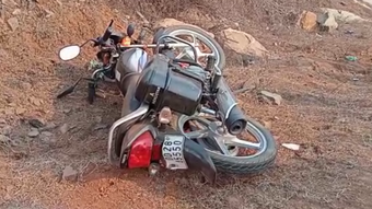Man dies after bike smacks into guard wall in Angul