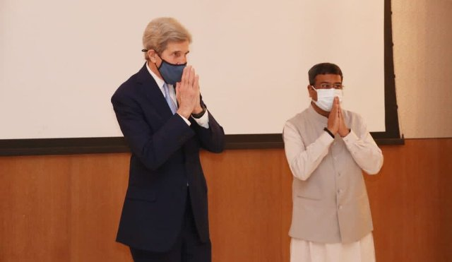 US Special Presidential Envoy for Climate meets Dharmendra Pradhan in New Delhi