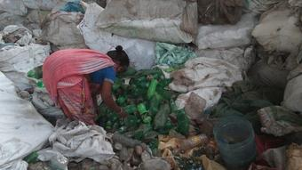 Garbage bank opened in Varanasi, to fill people's pockets with money