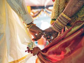 Wedding in Ganjam stipulated to 100 guests, packaged foods
