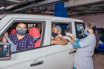 Drive-in Covid-19 vaccination begins in Bhubaneswar