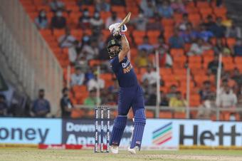 Kohli moves back into top-five of ICC T20I rankings