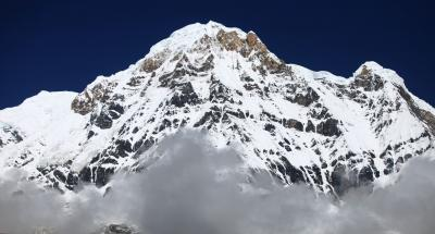 6 female climbers reach atop Mt. Annapurna