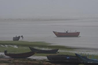 Fresh low pressure area over Bay of Bengal; heavy rainfall likely over Odisha
