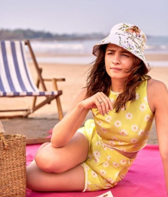 Alia's then and now pictures make Jacqueline go 'aww'