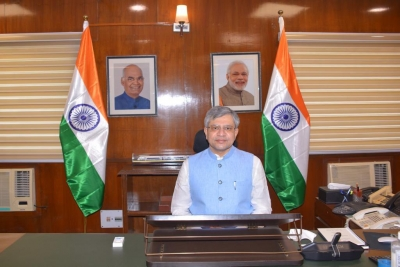 Officials in Railway Minister's office to work in two shifts