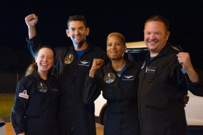 SpaceX's all-civilian crew returns to Earth safely