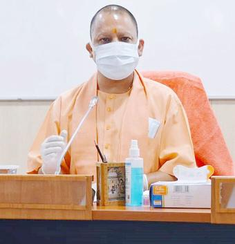 Yogi orders prompt payment of dues to lawyers